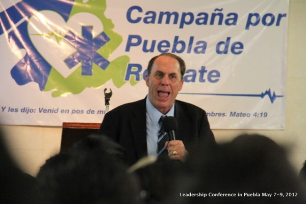 Pastor Kevin Wynne preaching during our Leadership Conference in Puebla