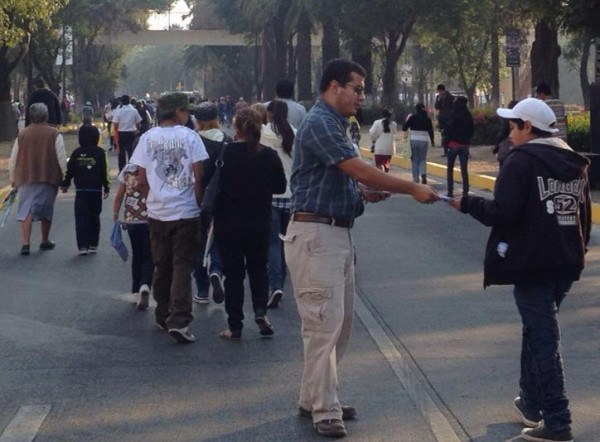 We gave out 20,000 Tracts during the 5 de Mayo Parade in Puebla!